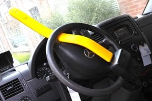 stoplock pro diefstalpreventie autostuur stuurslot -min